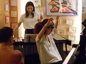 ピアノとヴィブラフォンでオーケストラサウンドを創りうむジャズユニットのライヴ