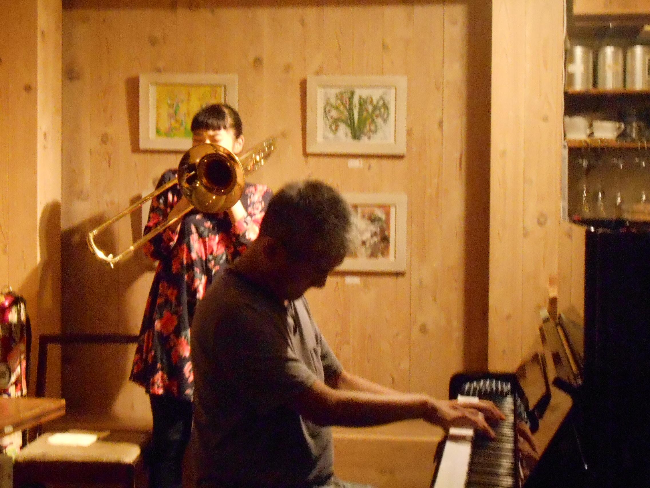 若手トロンボーン奏者とヴェテランピアニストの共演によるジャズライヴ