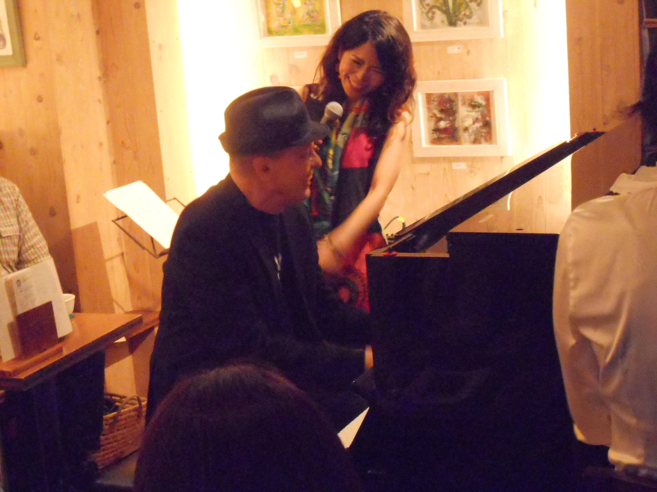 東の歌姫と西のピアノの巨匠のデュオによるジャズライヴ