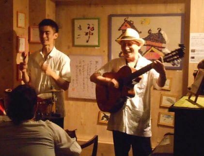 キューバ本国でも賞賛を浴びるキューバルーツ音楽を奏で続けるデュオのライヴ
