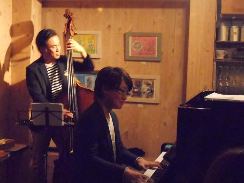ピアノとベースのデュオによる究極に洗練されたしなやかな魅力あふれるジャズ