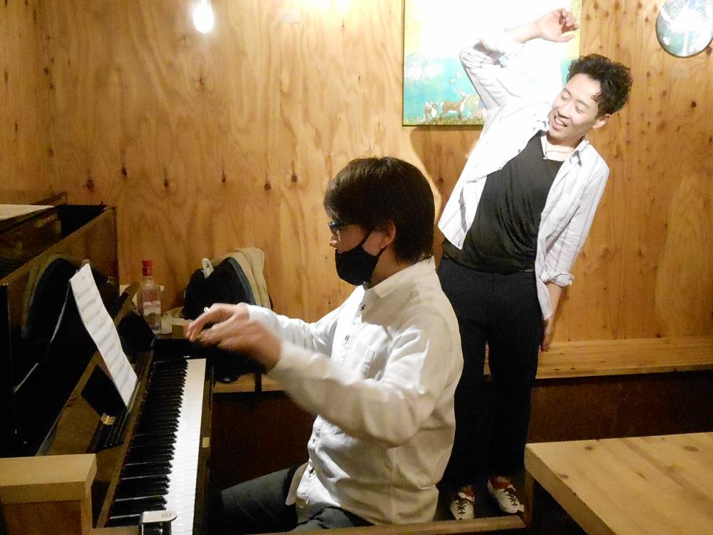 """※「緊急事態措置」要請時間にて開催※ タップダンスとモダンジャズピアノによる歌心溢れる""""ジャズ""""の生演奏です"""
