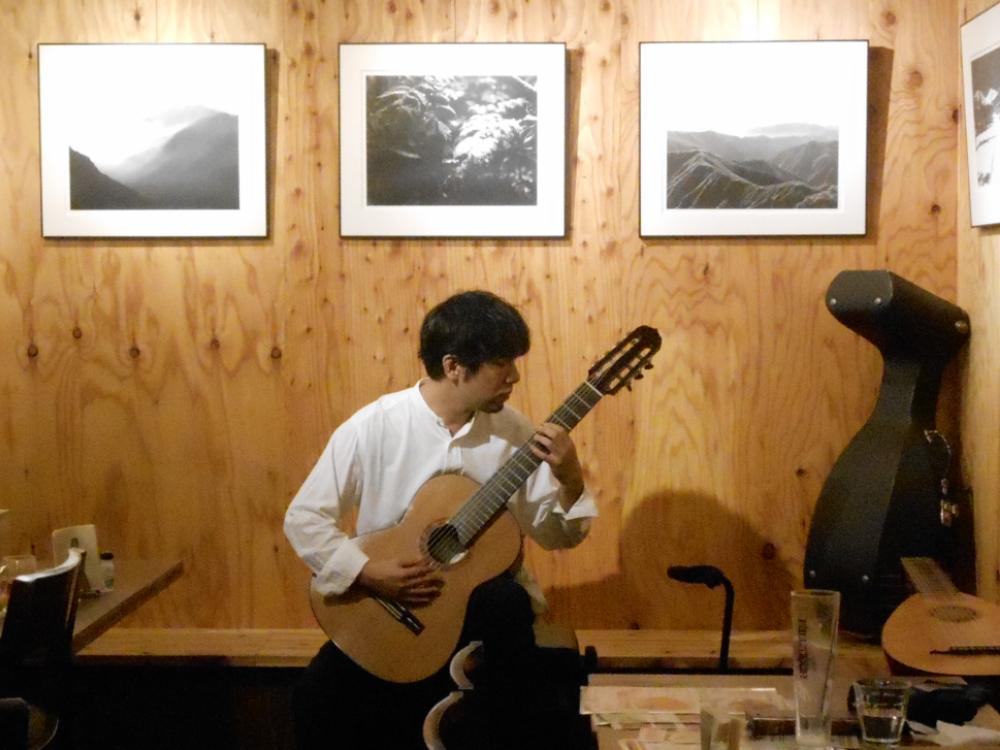 ※緊急事態延長に伴い開催時間変更※ 世界の多様なギターサウンドを、繊細に表現するソロギター演奏です