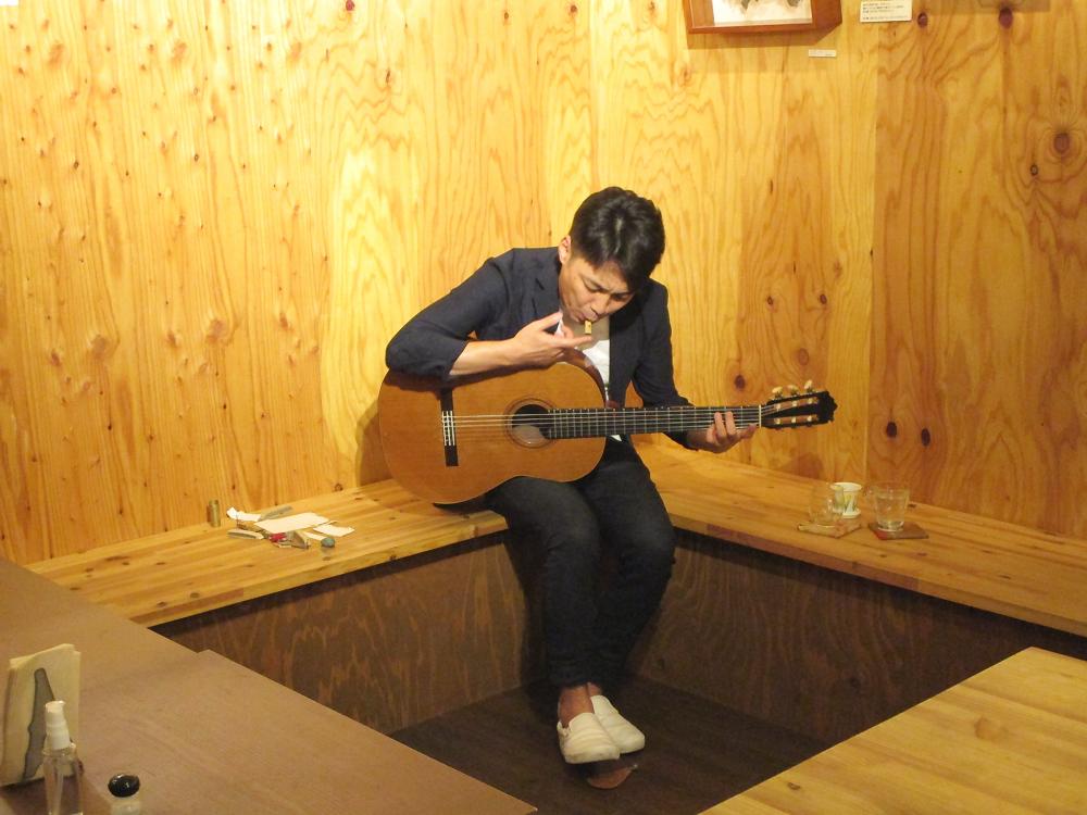 ※緊急事態宣言措置に伴い時間変更※ 音色と音、ギターが放つたくさんの要素が融合したギターソロの生演奏です