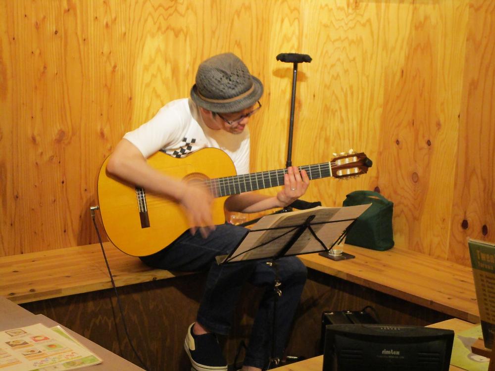 ギターの魅力存分にあふれる、ここちよいギターソロライヴです
